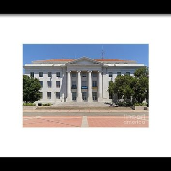 University Of California Berkeley Historic Sproul Hall At Sproul Plaza Dsc4083 Framed Print