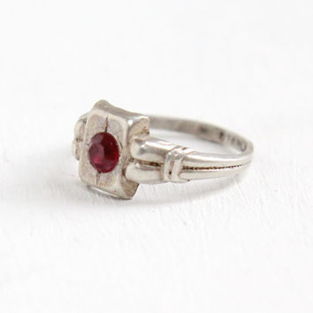 Vintage Sterling Silver Garnet Child's Ring- Art Deco 1930s Size 2 Small Midi Pinky Baby Jewelry