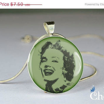 ON SALE: avocado resin pendants,art necklace pendants,Marilyn Monroe  pendant charm,glass pendants- T0409CP