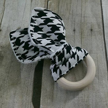 Baby girl wooden baby teether - untreated organic maple wooden rings - black and white houndstooth minky teething ring - 2.5in. ring