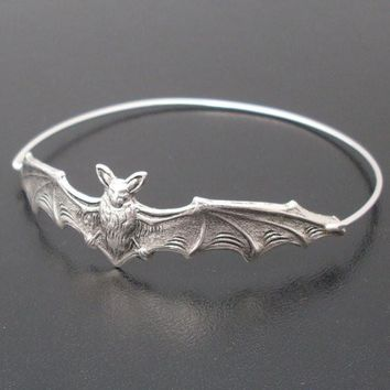 Gold/silver Color Bat Bangle Bracelet Gift for Friend Fashion Beautiful Halloween Jewelry  YPQ0125