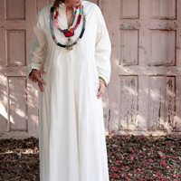 Authentic Moroccan Long White Kaftan Dress (Galabiya), 1990 Vintage
