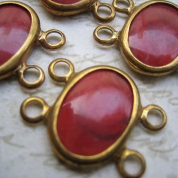 6 Vintage brass carnelian red  glass plastic stones links connectors (6)