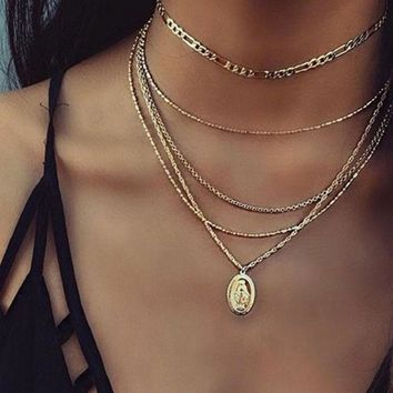 2018 New Summer Multilayer Gold Silver Love Lock Crystal Pendant Necklace Ladies Boho Simple Choker Necklace Fashion Jewelry