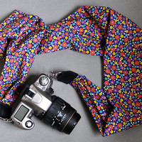 Scarf Camera Strap - Pretty Retro Floral - for dSLR / SLR cameras