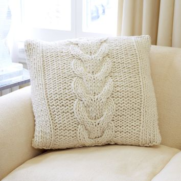 The Horseshoe Cable Pillow - Knit Kit