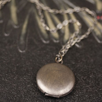 Dark Locket Simple Necklace, Brass Antique Locket, Small Vintage Locket Jewelry Unisex, Man's Necklace, Men's Locket, Men's Jewelery