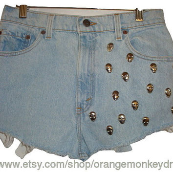 free ship vintage 551 Levi cut off skull studded jean frayed denim high waisted shorts light wash 30 inch waist