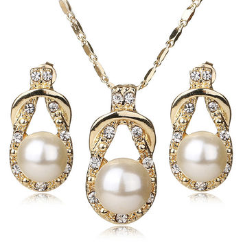 Teardrop Style Gold Plated Faux Pearl Necklace & Earring Jewelry Set