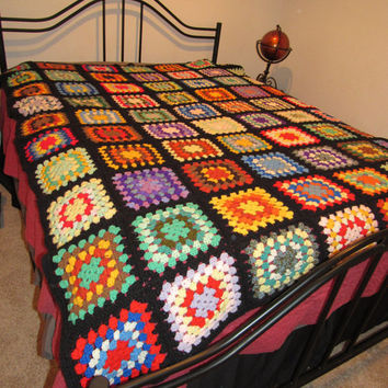 Vintage Hand Made Afghan / Granny Square Blanket / Hand Crafted Bedding / Hand Crochet Bedspread Blanket / Vintage Crochet Afghan