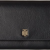Tommy Hilfiger Womens The Serif Signature Pebble Leather Accordion Flap Wallet