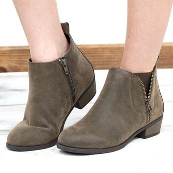 Zoey V-Zip Leatherette Bootie {Brown}