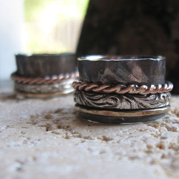 Rustic spinner ring of sterling silver