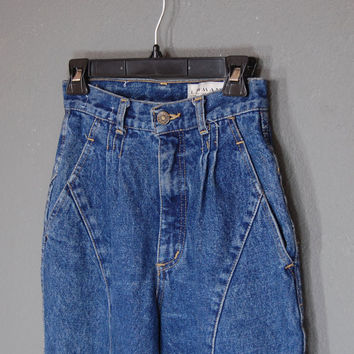 Vintage High Waisted Jeans  / Tapered Leg / Pleated / Size 9 / 1980's