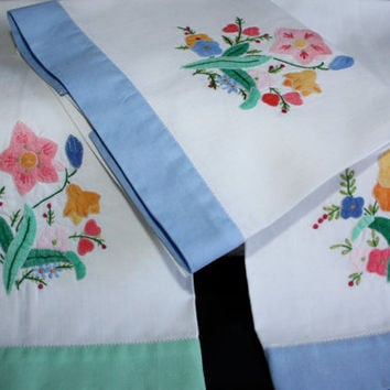 Embroidered Tea Towels with Applique / SET of 3
