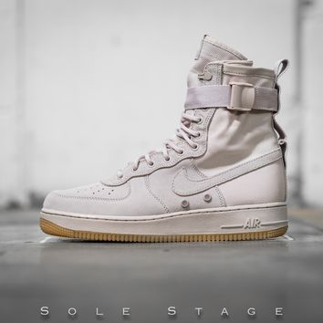 qiyif Nike Air Force 1 'String'