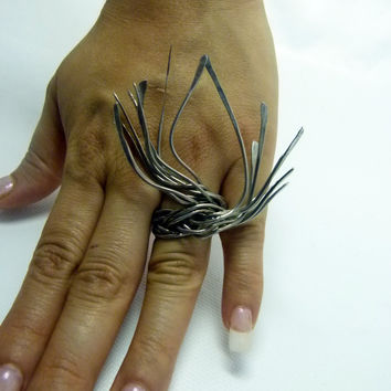 Dramatic rings shop , statement art jewelry , big bold design , hammered spiky ring , long rings , silver aluminum ring
