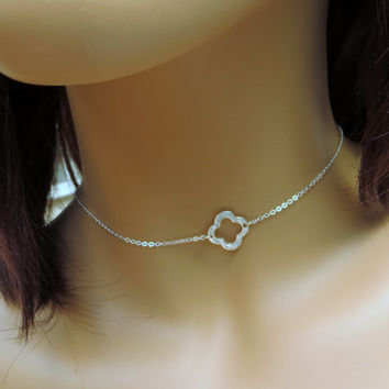 Clover Necklace. Sterling Silver Clover Necklace. Four Leaf Clover Choker.  Silver Layering Necklace. Quatrefoil Choker.
