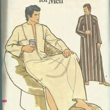 Vogue 8669 Sewing Pattern Retro 1970s Men's Caftan Robe Lounge Pajamas Housedress Boho Hippie Style Uncut Size Medium
