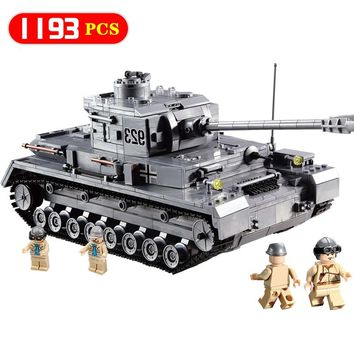 New 1193PCS Military 923 Compatible Legoingly Army ww2 PZKPFW-IV War Tank Model With Germany Soldiers Building Blocks Kids Toys