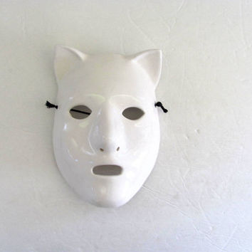 vintage white ceramic cat mask wall hanging