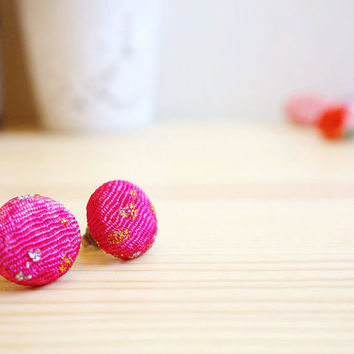 Kimono earrings, Japanese authentic Chirimen Kimono covered button stud earrings - SHINJU - Hot pink lame