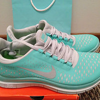 NIKE FREE RUN 3.0 V4 TROPICAL TWIST BLUE SIZE 7