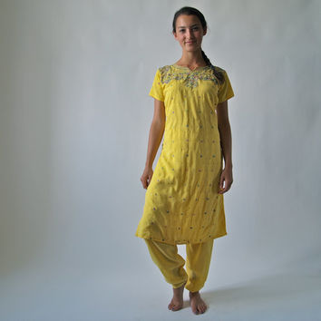 Vintage Indian Kameeze Saffron Yellow Embroidered Tunic and Pant 2-Piece Outfit Cocktail Evening or Day