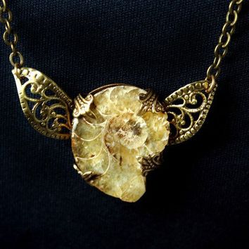 Fossil Pendant Necklace Vintage Style Victorian by designsbloom