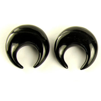 "Ear Plugs Half Moon Black Horn Earrings Spiral Gauges Expanders 16g 14g 12g 10g 8g 6g 4g 2g 0g 00g 1/2"" - GA004 H"