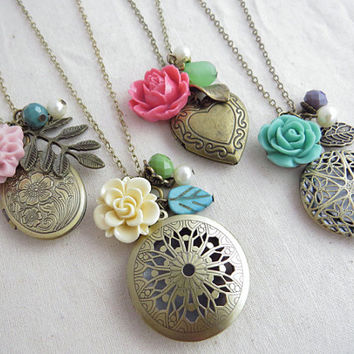 Set of 4 Lockets, Bridesmaids Jewelry, Bridesmaid Gift, Keepsakes, Spring Lockets - FREE SHIPPING