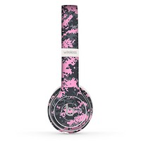 The Light Pink and Gray Digital Camouflage Skin Set for the Beats by Dre Solo 2 Wireless Headphones