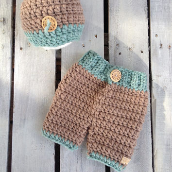 Crochet Hat and Pants Set, Photo Prop, Photography Prop, Newborn Hat, Baby, Newborn, Hat, Shower Gift, Christmas Gift, Crochet Baby Pants