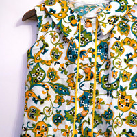 Cute 50's Vintage Floral Dress W/ Pockets, Light Color Summer Dress, Buttoned Down Dress, Yellow And Green Pattern On White Background