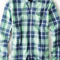 AEO Men's Plaid Button Down Shirt