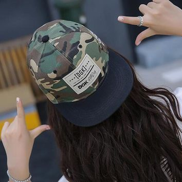 Trendy Winter Jacket Rock Style Hot Camouflage Hip Hop Street Skateboard Baseball Cap Leisure Adjustable Hat Snapback Cap For Men Women Couple Gifts AT_92_12