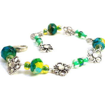 Fire Polished Czech Glass Bracelet // Green and Yellow Bracelet // Trendy Charm Bracelet // Flower Charm Bracelet // Valentines Day Gift