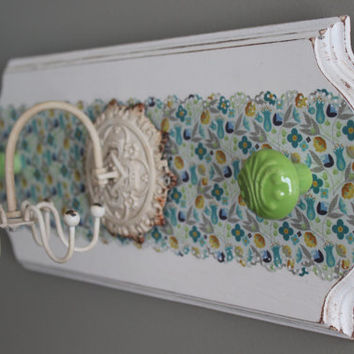 Jewelry organizer, necklace spinner, green and turquoise knob jewelry holder