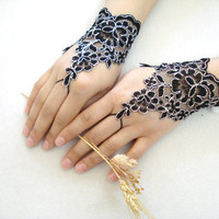 Black Lace Gloves, Lace Wedding Accessory, Bridal accessory, Fingerless Gloves, Black and silvery, asymmetric