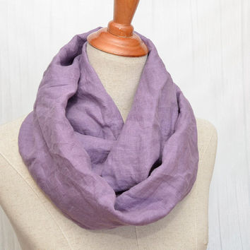 Linen Infinity Scarf. Chunky Scarf. Natural Linen. Pale purple. White leather cuff.