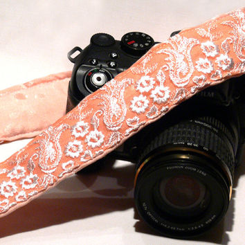 Lace Camera Strap. Peach Camera Strap. Canon Nikon Camera Strap. Gift fot Her. Gift for Women. Photo Camera Accessories. Etsy Gifts.