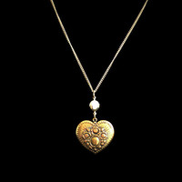 Vintage Heart Necklace In Gold Tone With Rose Details
