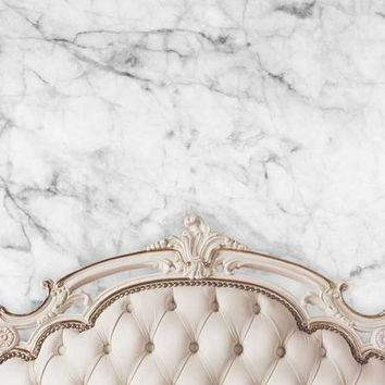 BEIGE IVORY TUFTED HEADBOARD WITH WHITE MARBLE WALL PRINTED BACKGROUND - 6x8 - LCPC6202 - LAST CALL