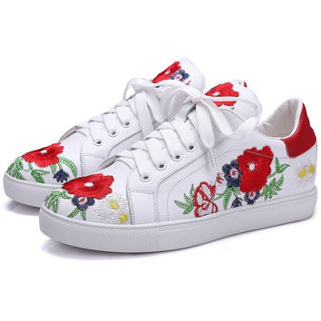Embroidery Flower sneaker
