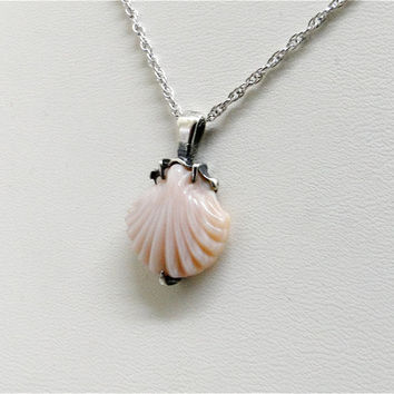 2 Day Sale, Vintage pink conch shell pendant necklace in sterling silver. Trubrite