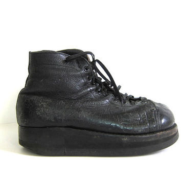 Vintage black leather lace up combat boots / grunge boots / steampunk shoes / orthopedic medical shoes