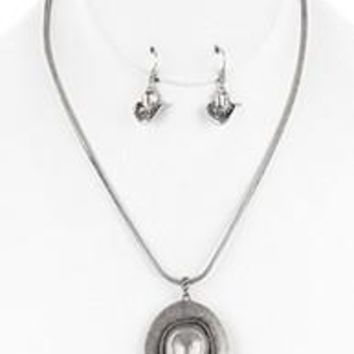 AGED FINISH SILVER Metal Cow Girl  COWBOY HAT Pendant  NECKLACE AND EARRING SET