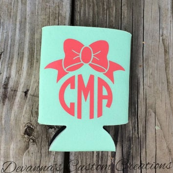 Bow and Circle Monogram Koozie