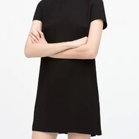 Black Zip-Shoulder Pleated Back Short-Sleeve Shift Dress
