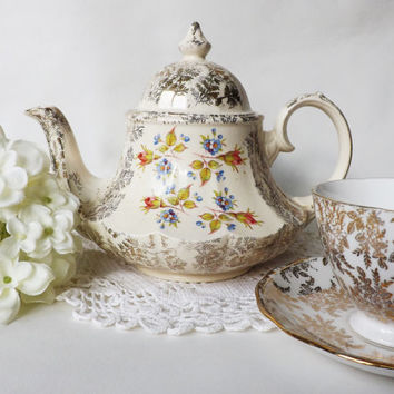 Gold Chintz Filigree Teapot with Roses, Vintage Gold Teapot, Afternoon Tea, Rose Tea Pot, Wedding Tea Party, Cottage Decor Shabby Chic